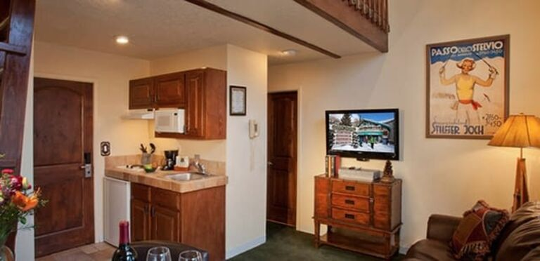 Alpine Village Suites