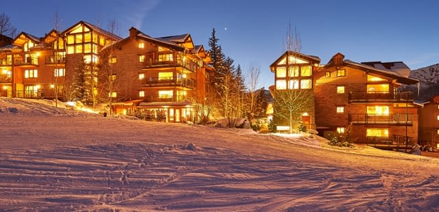 Save 15% on lodging + Free Day of Skiing